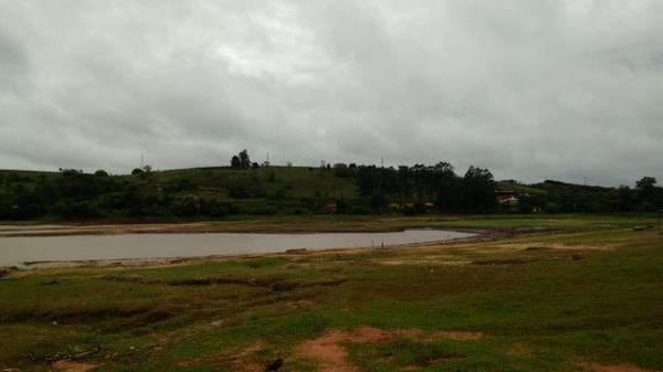 Adolescente morre ao se afogar em represa do Rio Paranapanema em Itaí — Foto: Pedro Salgado/TV TEM