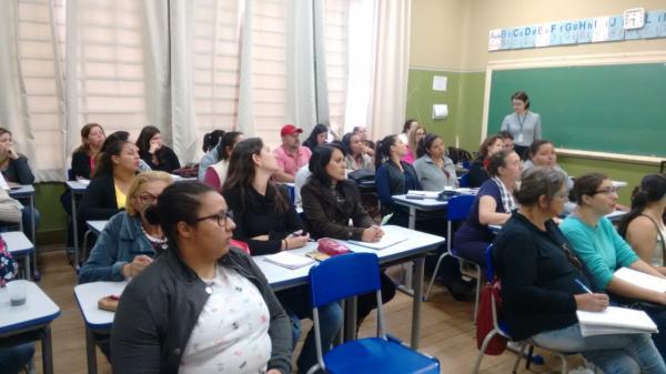 IFSPde Botucatu  realiza aula inaugural de curso de Pedagogia à distância