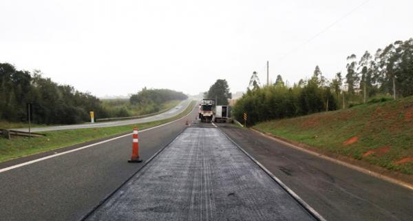 Reparo de pavimento nas rodovias administradas pela CCR SPVias