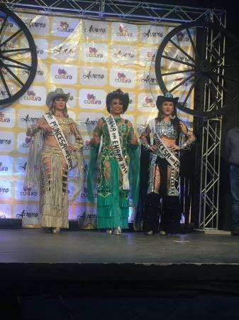 Nayara Pires é eleita a rainha da EMAPA 2018