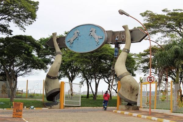 Prefeitura faz intervenções no recinto da Emapa