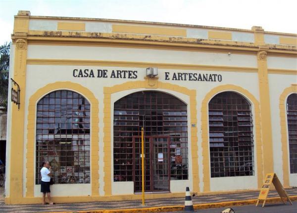 Casa une artistas e artesãos de Avaré há 32 anos
