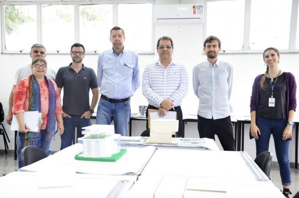 Universitários do curso de Arquitetura da Faculdade Eduvale  participam de competição de projeto