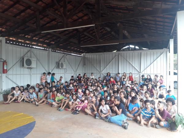 Escolas municipais de Cerqueira César recebem espetáculos circenses