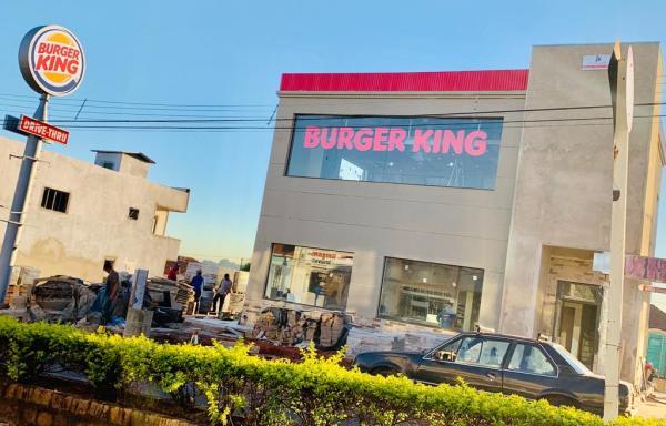 Burger King ganha forma e se aproxima da inauguração no centro de Botucatu