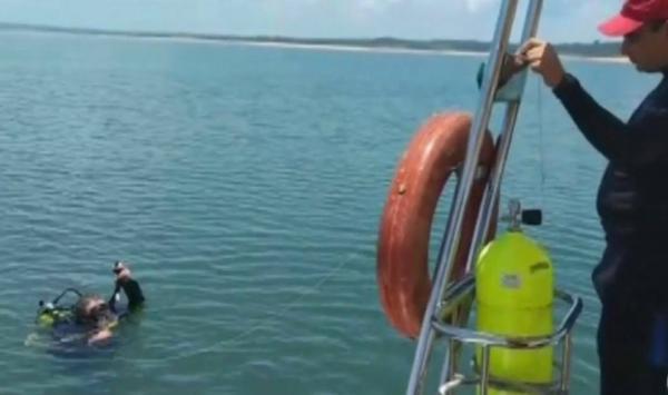 Bombeiros buscam pelo terceiro dia por homem que sumiu em represa após lancha afundar na virada de ano