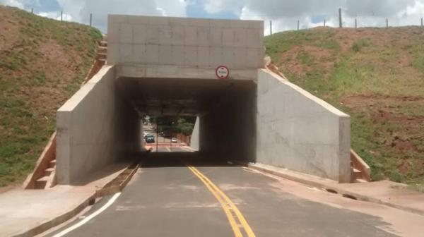 Vereador pede ao prefeito que não aceite as obras do túnel da rua Alagoas sem que haja reparos na linha férrea