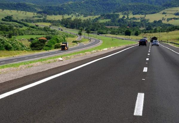 Obras de recuperação e conservação nas rodovias da CCR SPVias