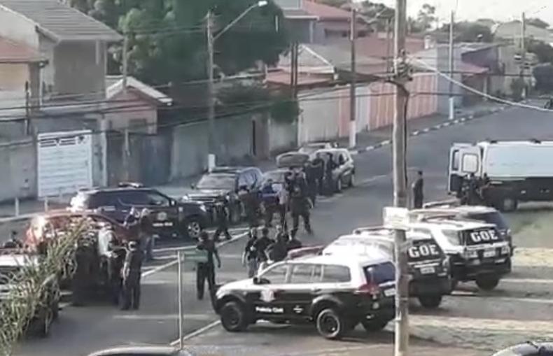 Cerca de 160 policiais estão empenhados na ação (Foto: Redes sociais)