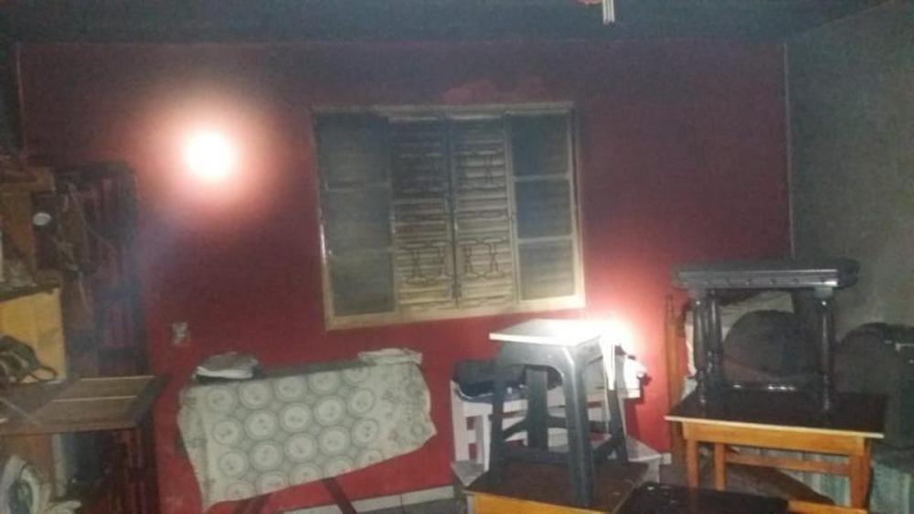 Segundo os bombeiros, idoso morava sozinho em Avaré — Foto: Corpo de Bombeiros de Avaré/Divulgação